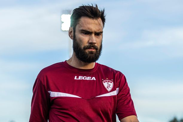 Tim Sparv edustaa Kreikan liigassa AE Larissaa.