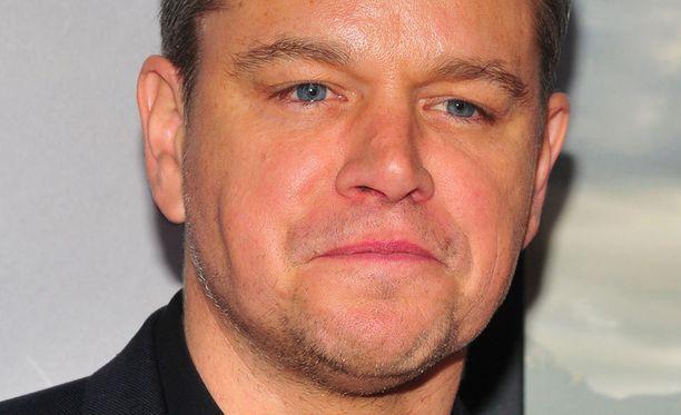 Matt Damon katuu sanojaan naisten kokemasta ahdistelusta.