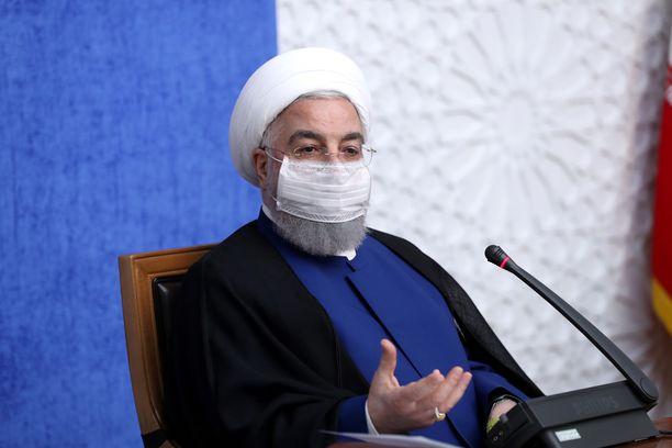 Iranin presidentti Hassan Rouhani esiintyi Teheranissa sunnuntaina.