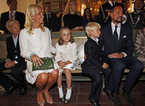 Norjan kruununprinssiparin vanhin tytär Ingrid Alexandra perii kruunun isänsä jälkeen.