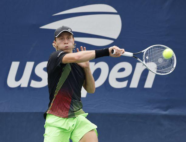 Emil Ruusuvuoren turnaus päättyi toisella kierroksella.