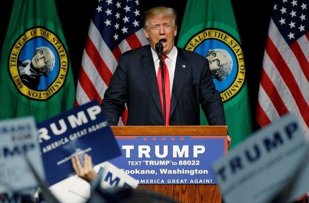 """Keskiviikkona Donald Trump kutsui vaatimaansa muslimikieltoa """"vain ehdotukseksi""""."""