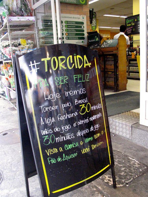 Ruokakauppani Copacabanalla sulkeutuu asiallisesti puoli tuntia ennen peliä ja avautuu puoli tuntia ottelun jälkeen.