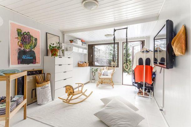 Asunto on rakennettu 1970-luvulla. Kotia on remontoitu hiljalleen 2000-luvun alusta lähtien. Viimeisimpänä huoneistoon on tehty pintaremonttia.