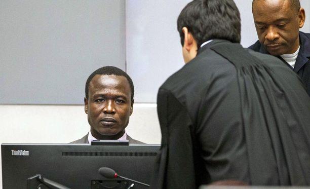 Ugandalaisen LRA-liikkeen johtoon kuulunutta Dominic Ongwenia vastaan on nostettu 70 syytettä sotarikoksista ja rikoksista ihmisyyttä vastaan.