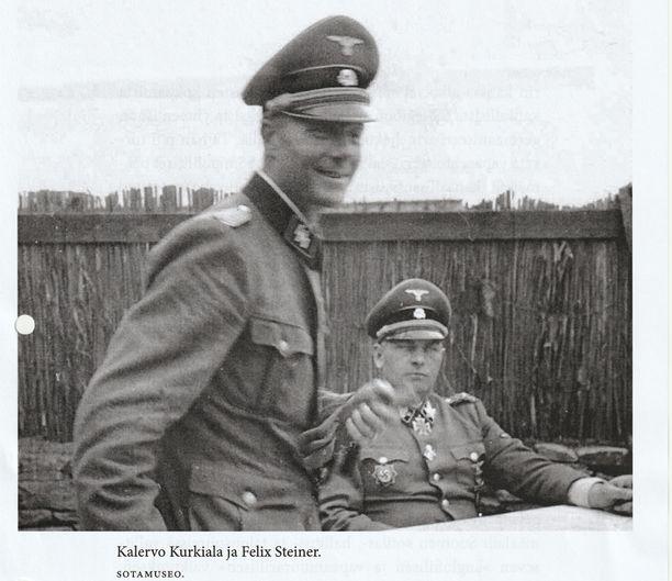 Kalervo Kurkiala ja Felix Steiner hyökkäysvaiheen aikana.