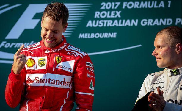 Valtteri Bottas piti homman maltillisena podiumilla.