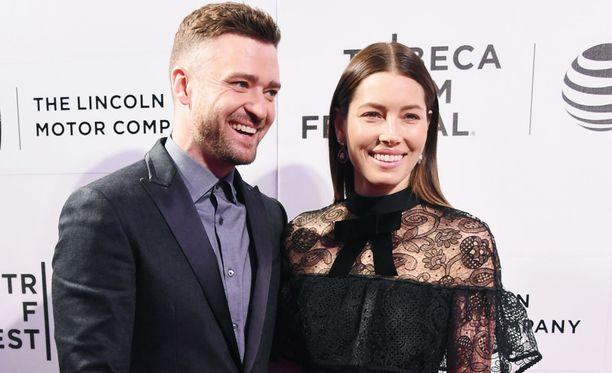 Justin Timberlake ja Jessica Biel viettävät syksyllä nelivuotishääpäiväänsä.