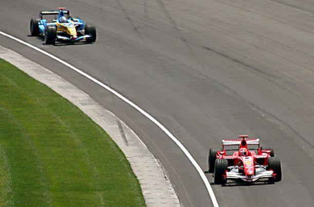 Michael Schumacher jätti hallitsevan mestarin taakseen Indianapolisissa.