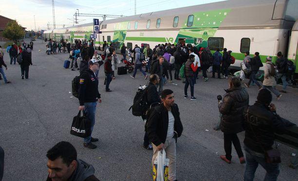 Turvapaikkahakijoiden määrä lisääntyi syksyllä 2015.