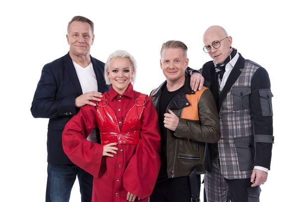Olli Lindholmin tilalla The Voice of Finlandissa nähdään kaksi tähtivalmentajaa. Anna Puu, Redrama ja Toni Wirtanen jatkavat ohjelmassa.