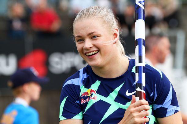 Wilma Murto oli yhtä hymyä karsinnan jälkeen Kalevan kisoissa.
