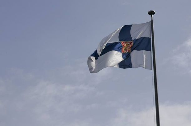 Puoluekokouksen esityslistan mukaan uskontorikosten ja Suomen lipun häpäisevien uhrittomien rikosten dekriminalisointi edistäisi sananvapautta.