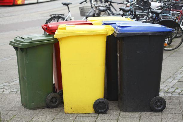 Keräysastian ja tilan puute saavat suomalaisen jättämään muovinkierrätyksen.