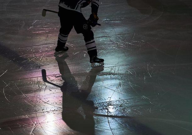 Jääkiekkoliiton kannalta kiusallinen tirkistelytapaus nousi esille Suomen urheilun eettisen keskuksen Suekin teettämässä tuoreessa selvityksessä.