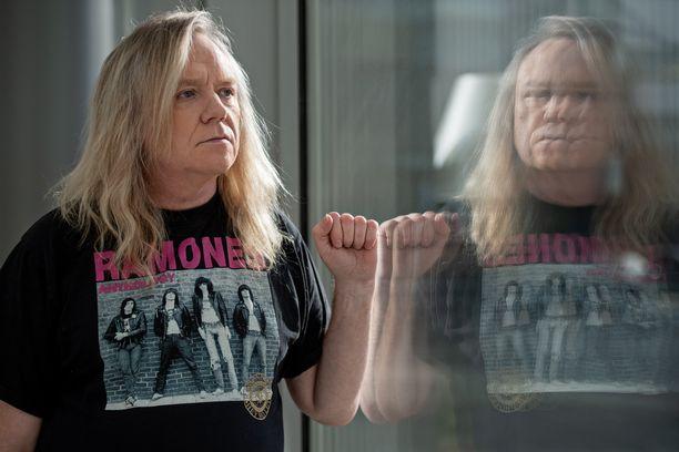 Jussi Hakulinen aikoo esittää Joutsenlaulun viimeistä kertaa livenä.