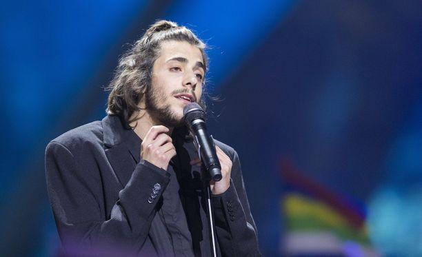 Salvador Sobral on laulanut itsensä viisukansan sydämiin.