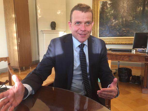 Kokoomuksen puheenjohtaja Petteri Orpo on sanonut eroavansa Helsingin Suomalaisesta Klubista, mikäli naiset eivät pääse sen jäseniksi.