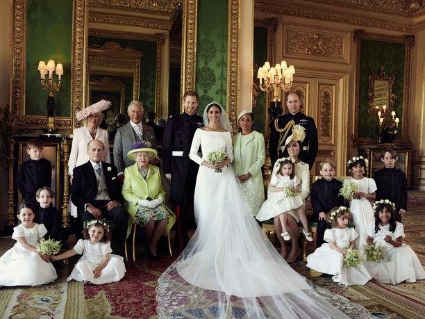 Harryn ja Meghanin kuvassa istui myös Cambridgen herttuatar Catherine.