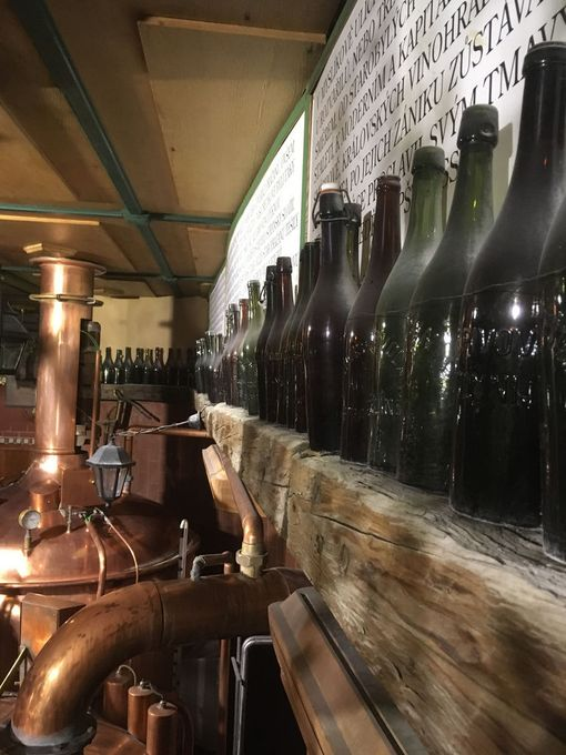 Prahasta löytyy useita panimoravintoita, joissa voi maistella talon omia oluita.