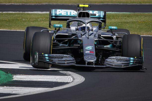 Valtteri Bottas hallitsi Britannian GP:n kakkostreeniä.