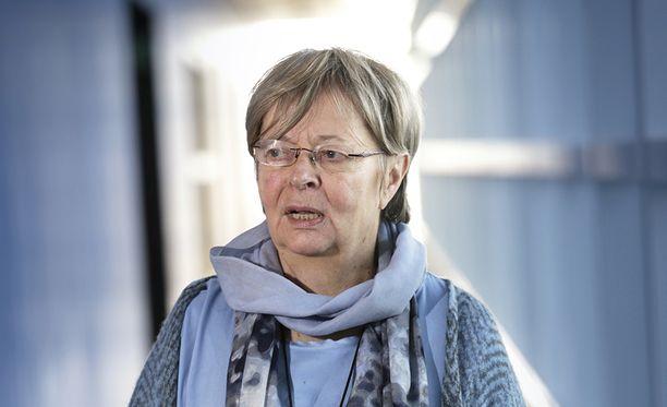 Europarlamentaarikko Liisa Jaakonsaari kertoo saaneensa paljon yhteydenottoja Jehovan todistajilta niin Suomesta kuin Venäjältäkin.