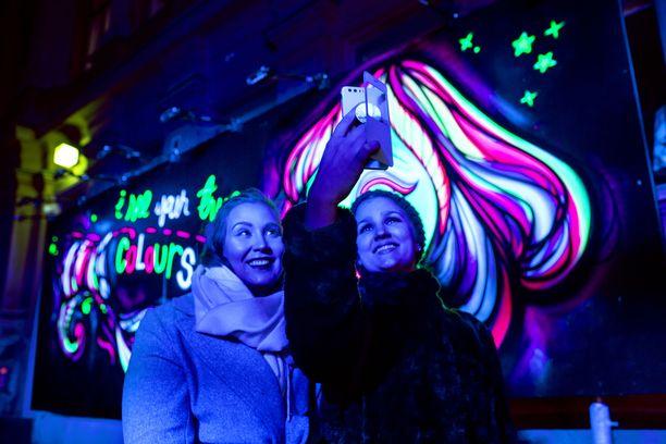 Huippusuosittu tapahtuma näkyy myös somessa. Viime vuonna laskettiin, että Instagramissa jaettiin yli 15 000 kuvaa aihetunnisteella #luxhelsinki. Kuva viime vuoden tapahtumasta.