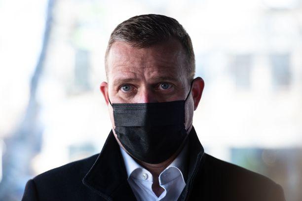 Kokoomuksen puheenjohtaja Petteri Orpo ajoi poliisin tutkaan ystävänpäivänä.