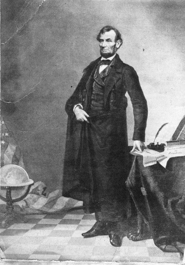 Tämä ikoninen valokuva Abraham Lincolnista on väärennös. Kukaan ei huomannut sitä yli sataan vuoteen.