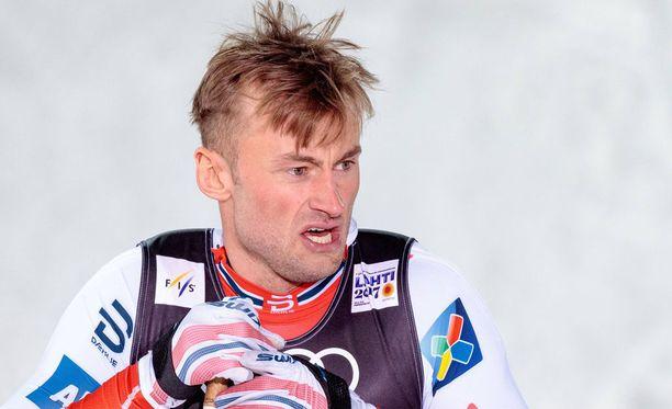 Petter Northug jäi kauas kärjestä Norjassa järjestetyssä kansallisessa kisassa.