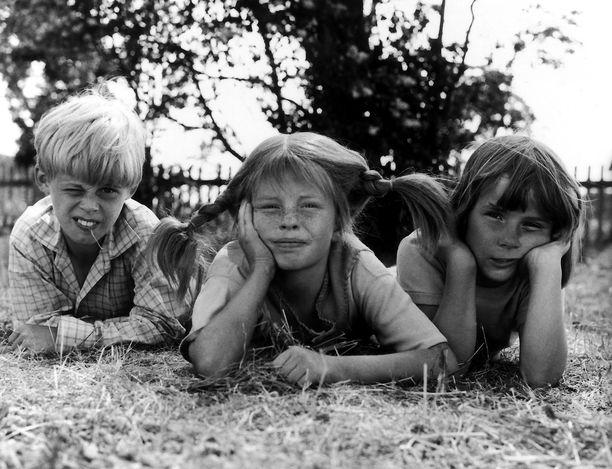 Tästä kolmikosta vain keskimmäinen, Inger Nilsson, jäi suuren yleisön mieleen. Pär Sundberg ja Maria Persson katosivat julkisuudesta.