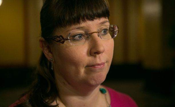 Europarlamentaarikko Merja Kyllönen (vas) kommentoi Finavia-kohua Ylelle.