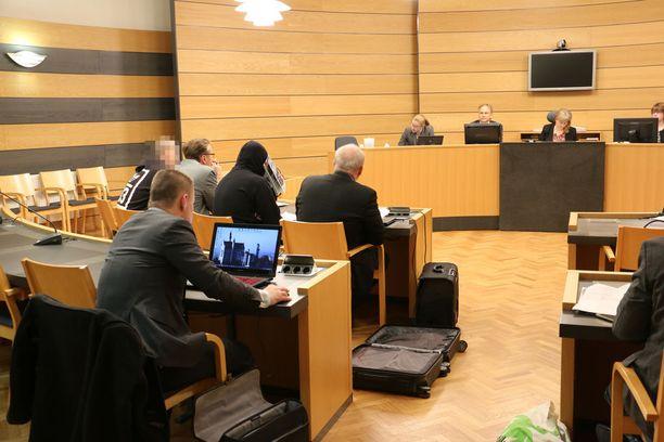 Autoliikkeen tuhopolttoa käsiteltiin Kemi-Tornion käräjäoikeudessa viime marraskuussa.