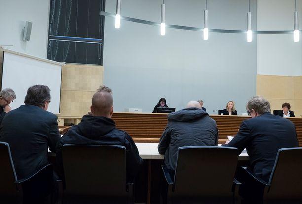 Murhajuttua käsiteltiin keskiviikkona Pohjois-Savon käräjäoikeudessa Iisalmessa. Oikeuden kansliatuomio annetaan myöhemmin.