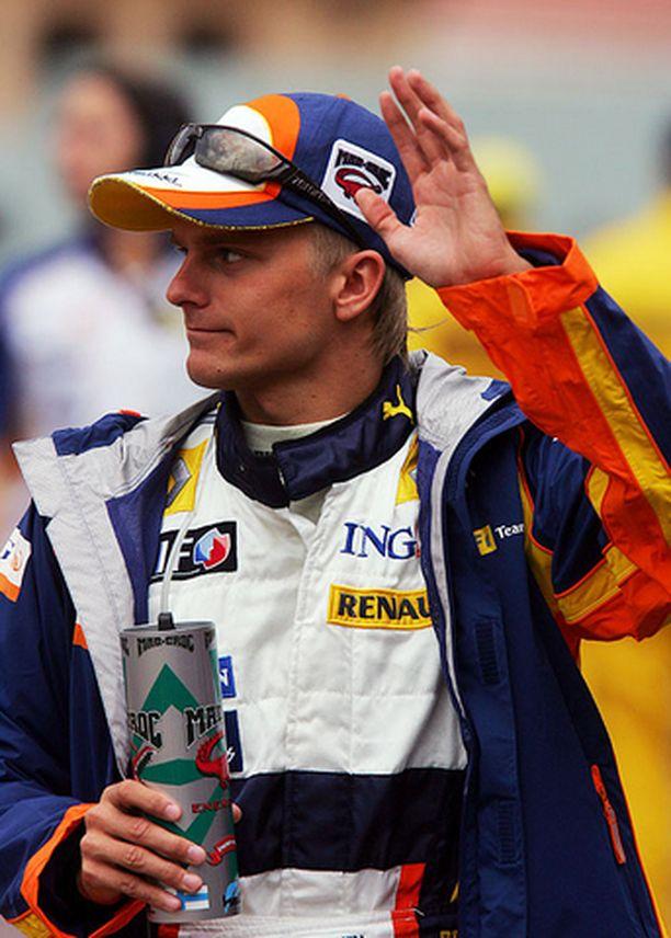 Heikki Kovalaisen mukaan David Coulthard plokkasi häneltä koko kierroksen.