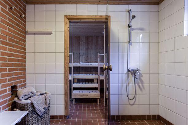 Kiinteistössä on myös sauna.