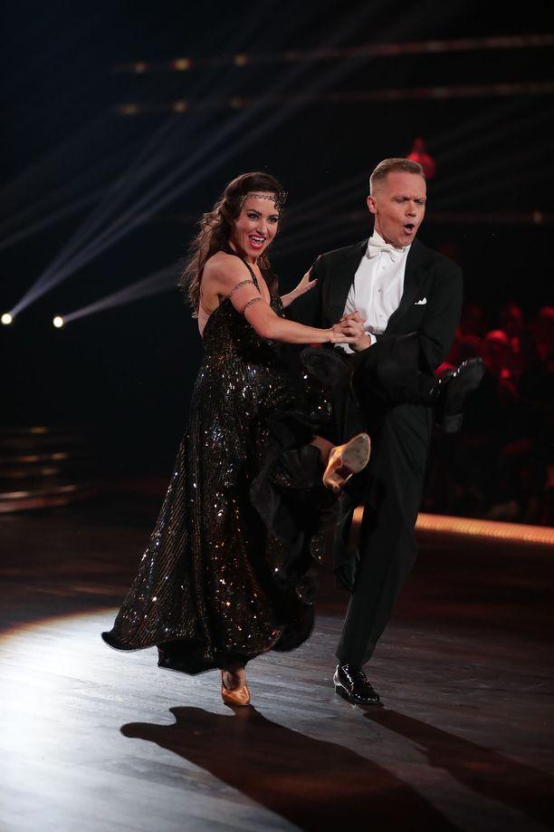 Tuomaristo kehui, että Jaana Pelkosessa ei enää näkynyt tanssilattialla virkanainen.