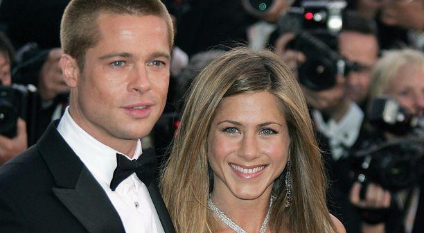 Brad Pitt ja Jennifer Aniston rakastuivat vuonna 1998.