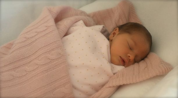 Prinsessa Leonore syntyi 20. helmikuuta 2014 New Yorkissa.