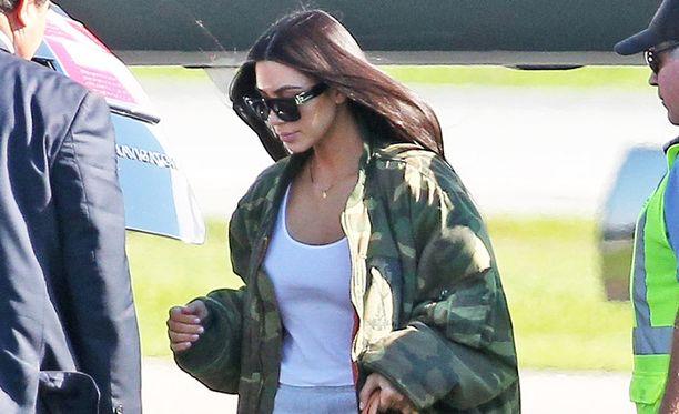 Kim Kardashian julkaisi ytimekkään Twitter-viestin sunnuntaina.