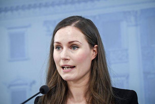 Pääministeri Sanna Marin (sd) lupasi torstaina suomalaisille aiempaa parempaa koronatiedotusta.