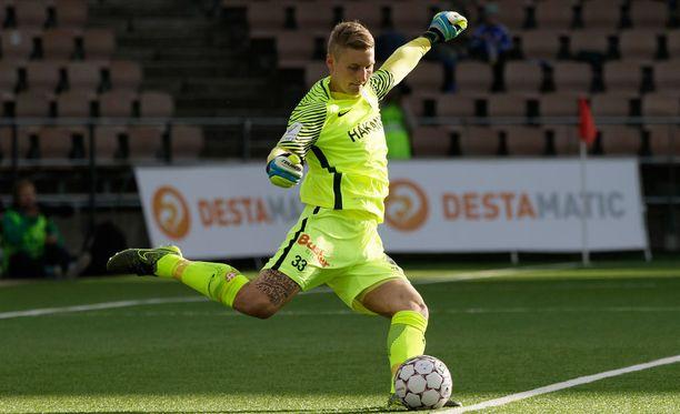 Interin maalivahti Jukka Lehtovaara lienee sivussa lauantain nousukarsintaottelusta Inter-TPS.