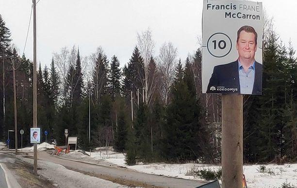 Ei, kyseessä ei ole 10 km/h nopeusrajoitus vaan ehdokkaan vaalinumero.