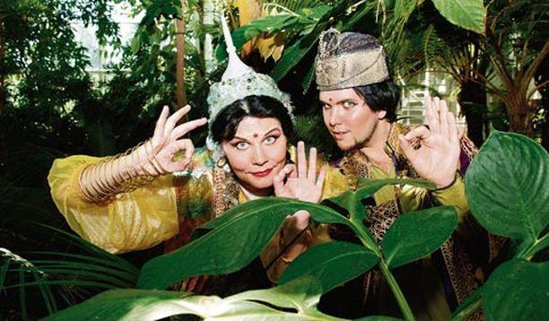 Sartsa ja Timppa muun muassa tuovat Bollywoodia Suomeen.
