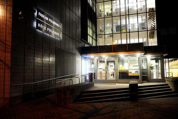 Valelääkärinä toimimisesta epäiltyä Esa Laihoa pidetääntällä hetkellä Pasilan poliisitalon vankilassa Helsingissä.