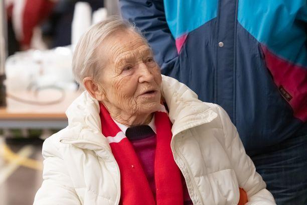 Siiri Rantanen hiihti läpi uransa Järvisen suksilla.