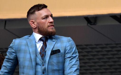 Katso tästä huippuhetket: Näin tylysti Conor McGregor tyrmättiin – supertähden vamman vakavuus näkyi vasta ottelun jälkeen