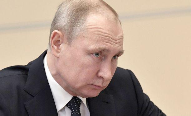 Venäjän presidentti Vladimir Putin katsoo, että länsi on rikkonut kansainvälistä oikeutta ja YK:n peruskirjaa Syyriassa tekemillään iskuilla.
