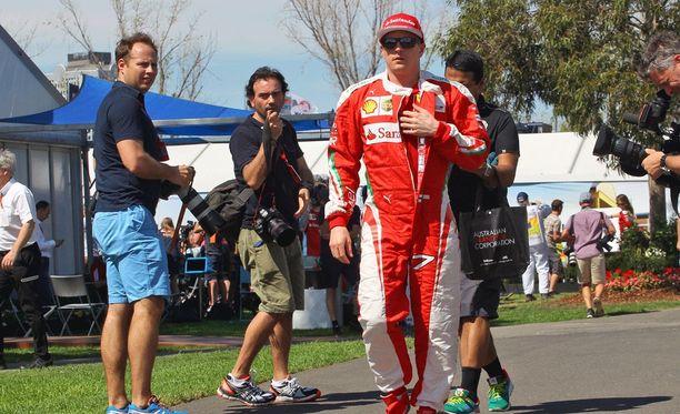Kimi Räikkönen puhuu positiiviseen sävyyn uudesta autostaan.
