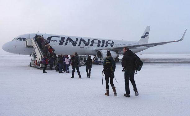 Finnair testaa matkalaukkujen etäselvitystä Levillä. Kuvituskuva.